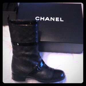 Chanel boots,